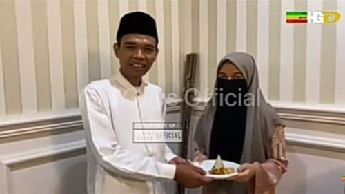 UAS Rayakan Ulang Tahun, Netizen Ungkit Ceramah Somad: Selamat Murtad