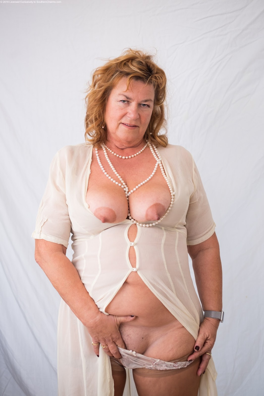 Naked Sexy Older Ladies