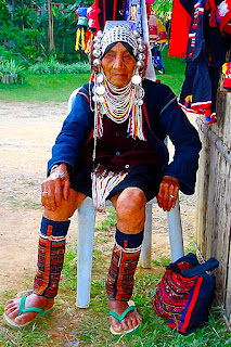 akha tribe lady photo at doi mae salong