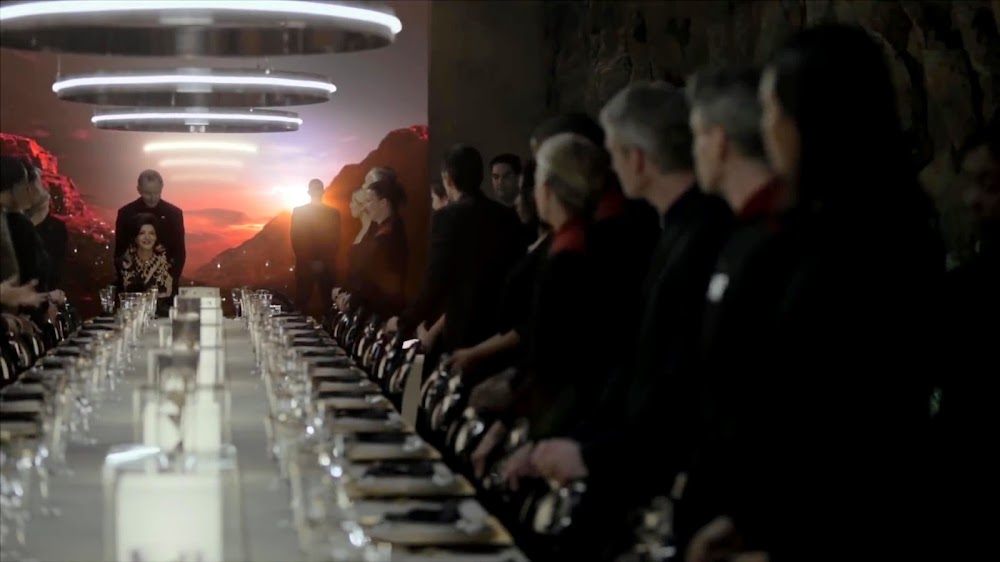 Earth's leader Avasarala attending a diplomatic banquet on Mars from season 4 teaser of The Expanse