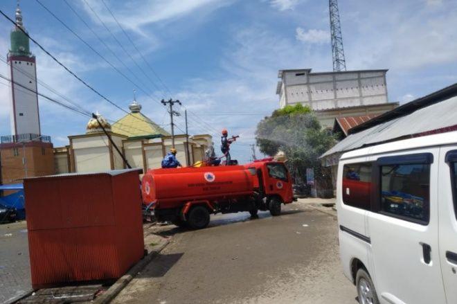 Gerak Cepat, Masjid Tempat Santri Positif Jadi Imam Tarwih Disemprot Disinfektan