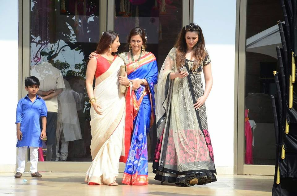 Sonali Bendre & Gayatri Joshi Snapped at a Wedding