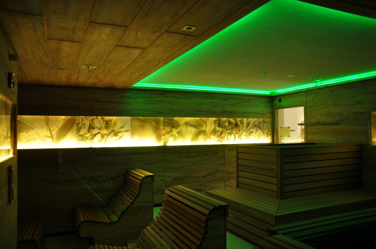 Luxury dolcevita resort preidlhof die sauna around wochen for Besondere hotels weltweit