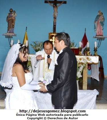 Foto en pleno matrimonio en la Iglesia San Esteban - Rímac por Jesus Gómez