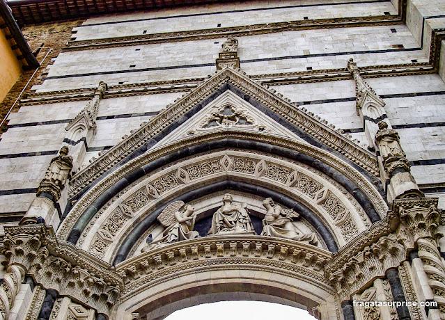 facciatone da Catedral de Siena, Itália
