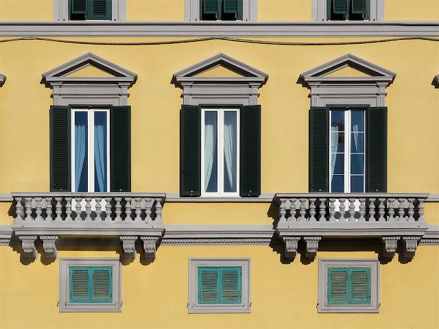 Balconies, Palazzo dell'Aquila Nera, Scali d'Azeglio, Livorno
