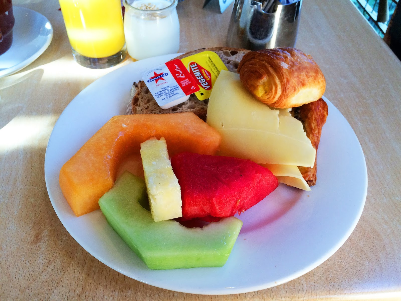Melbourne Parkview Hotel Breakfast