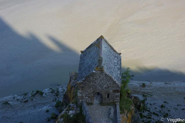 La Chapelle Saint Aubert vista dal Chemin des Remparts