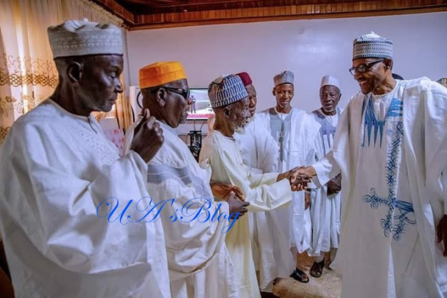 President Buhari Poses With His Classmates From Katsina Middle School (Photos)