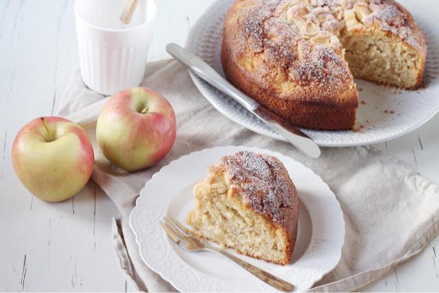 Torta di mele soffice con miele