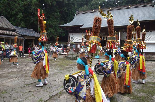 Tsujimagaku & Tsujikagura (dance & music), Hiji Town, Oita Pref.
