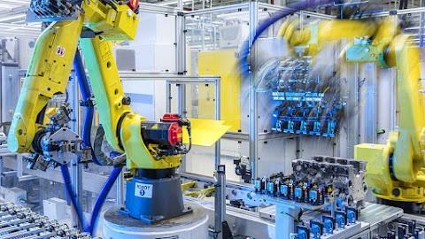 A szolgáltatások, az ipar és az építőipar is hozzájárult a GDP növekedéséhez