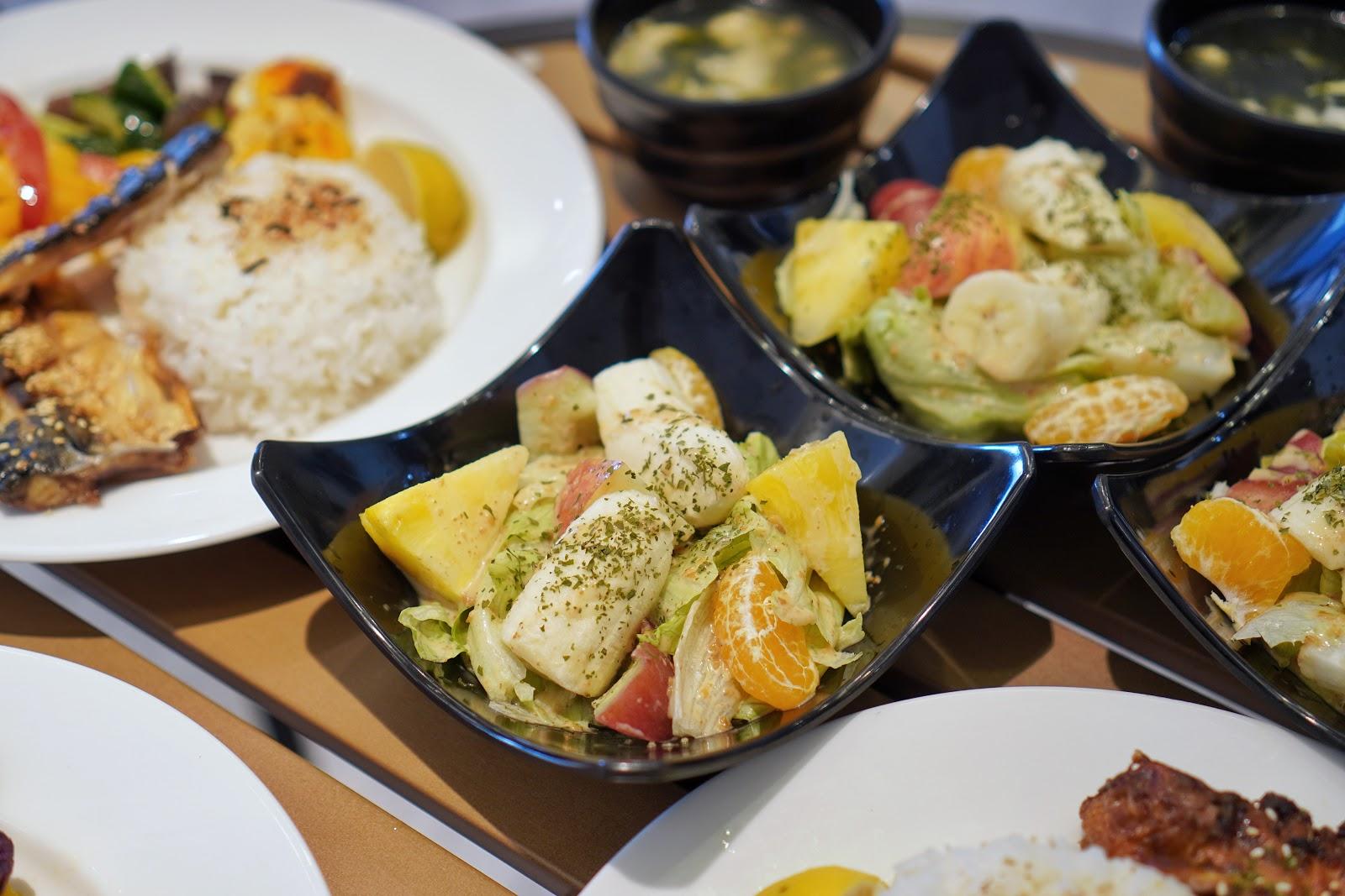 台南東區美食【咚嗞咖啡】附餐沙拉
