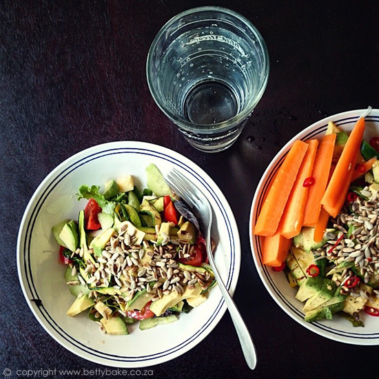 organic, fresh, food, 2018, salad, bowl, betty bake, bernice griffiths, dark table, seeds, carrots, colourful, delicious, easy, supper, lunch, snack, cape town blogger,