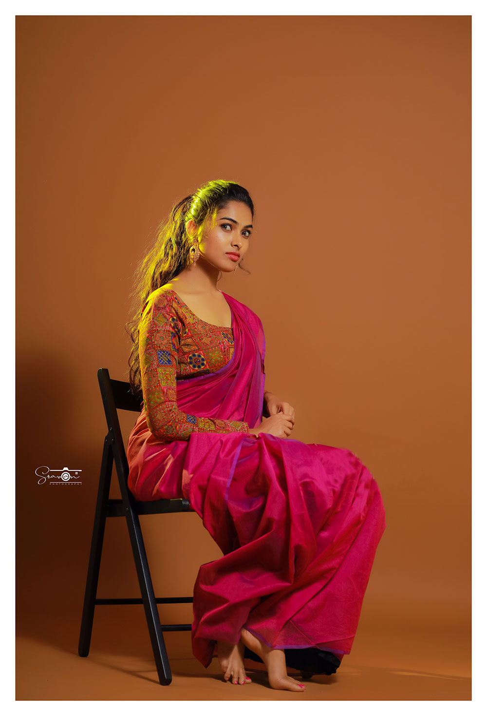 Actress Divi Vadthya Glam Photoshoot