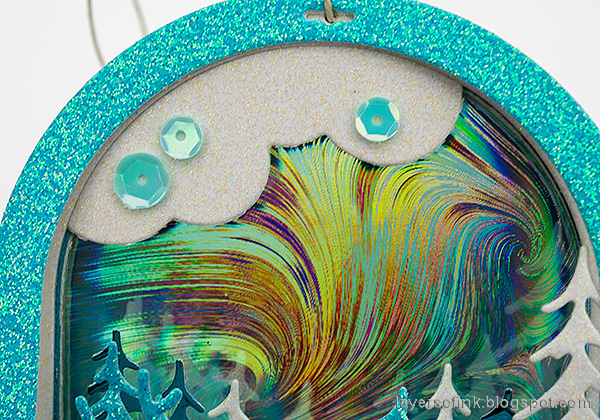 Layers of ink - Scenic Winter Ornaments Tutorial by Anna-Karin Evaldsson. SSS Holographic paper.