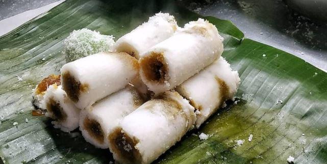 kue Putu- Kue Basah Tradisional Indonesia