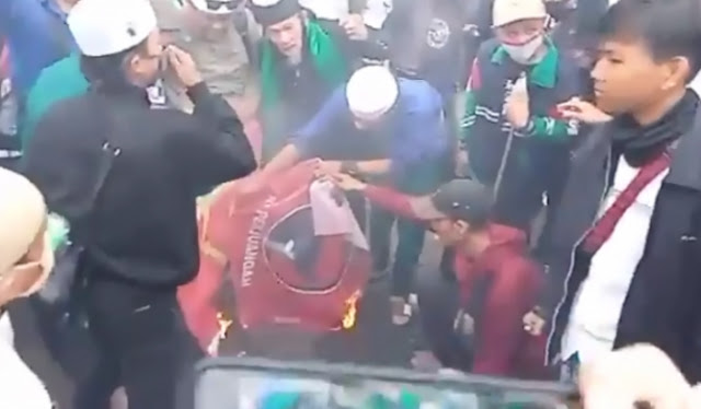 Tak Terima Benderanya Dibakar, PDIP Akan Gelar Aksi Protes