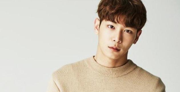 La agencia del modelo Lee Chul Woo niega los vínculos con el problemático chat grupal de Jung Joon Young
