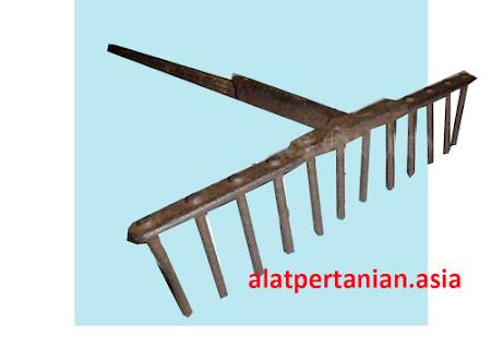 alat pertanian tradisional garu paku
