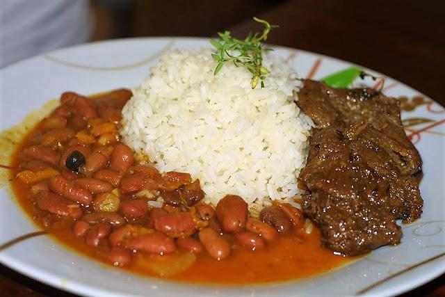 la bandera must try food dominican republic
