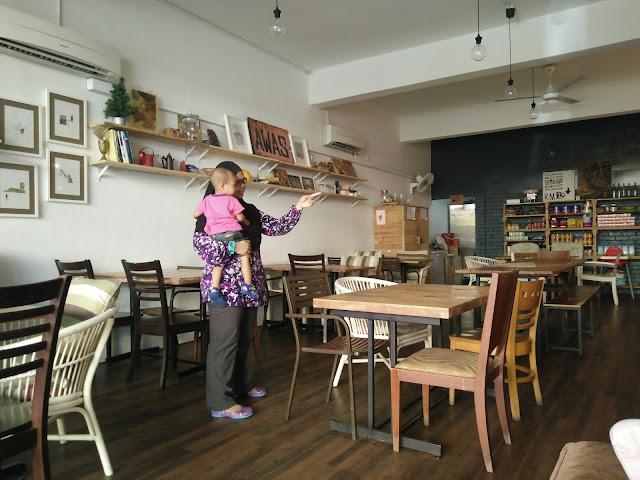 Kedai Sebelah - Kafe Stylish Hipster di Kelana Jaya