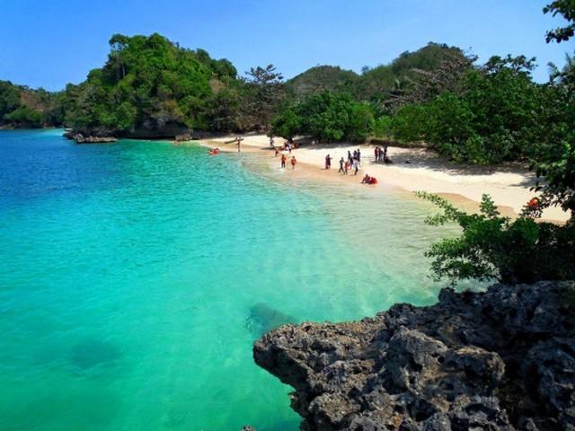 Pantai Kondang Merak;Pantai Seribu Selat, Raja Ampat Dari Malang Selatan;