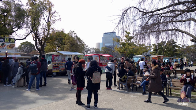 Food Truck di Osaka Castle yang menggoda Yen