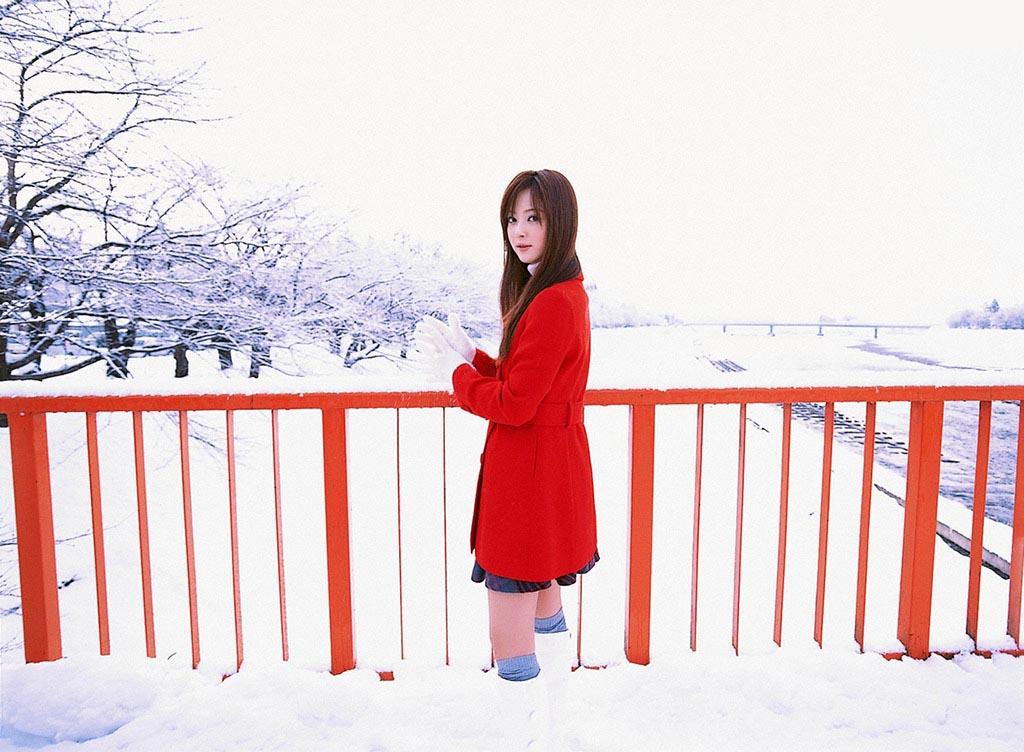 nozomi sasaki white snow 02