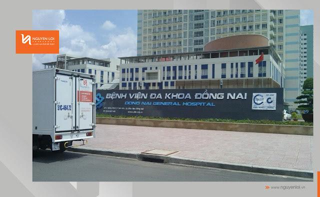 thuê xe tải chở hàng thiết bị y tế