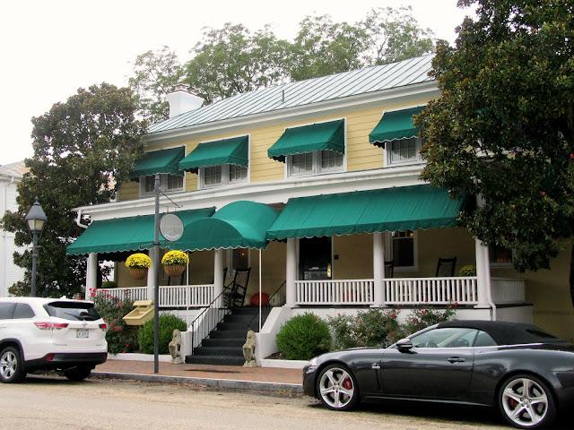 Smithfield Inn in Smithfield, Virginia