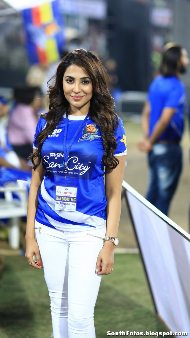 Parvathy Nair Latest Sexy Pics