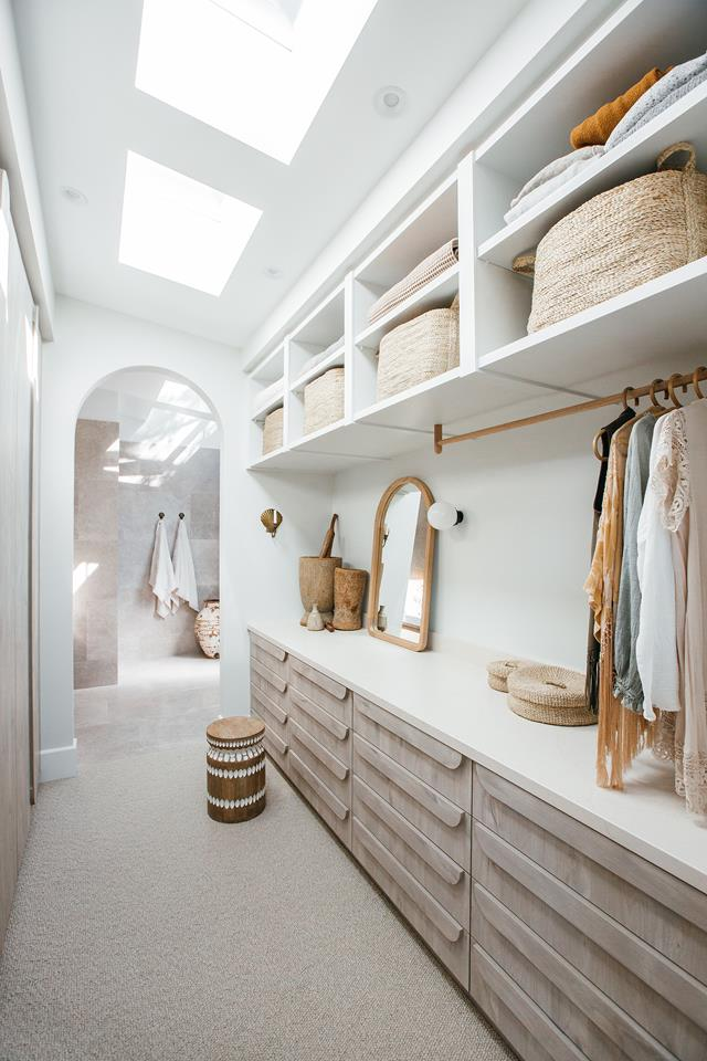Home tour of the ensuite closet and wardrobe