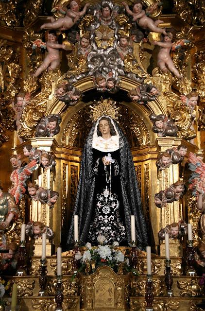 La Soledad en su camarín de la Catedral Nueva