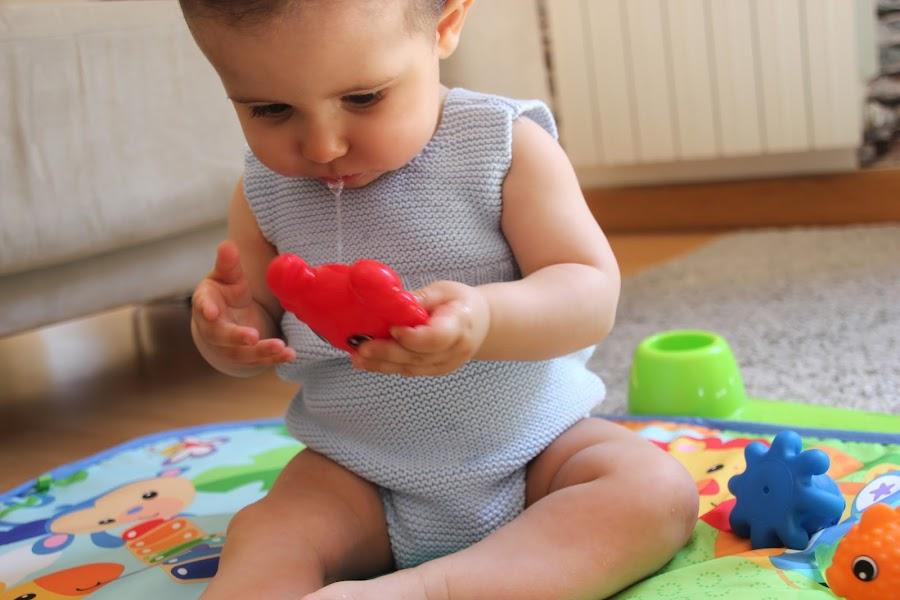 Diy tejer ropa de bebe pelele patrones gratis. Patrones lana y patrones punto.