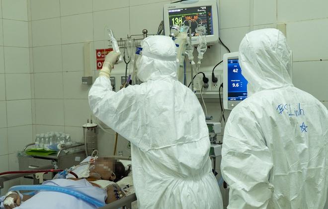 18 bệnh nhân Covid-19 tiên lượng nặng