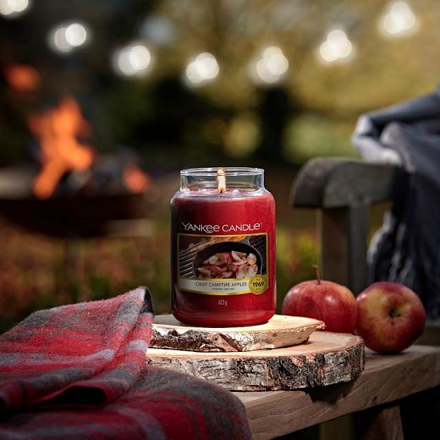 Yankee Candle Crisp Campfire Apples avis, yankee candle pommes grillées avis, bougie pommes grillées yankee candle, pommes grillées yankee candle avis, bougies yankee candle, yankee.candle, bougies, candles, home fragrance, blog sur les bougies, yankee candle crisp campfire apples review