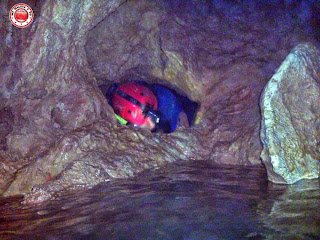 Salida de gatera, en la Cueva Urbana de Tarragona