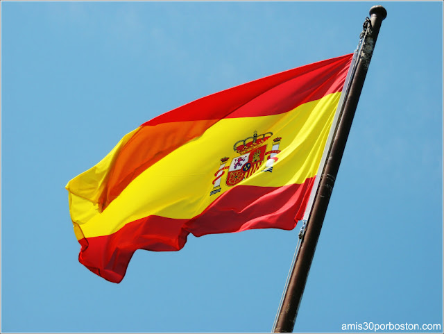 Bandera de España del Galeón Andalucía