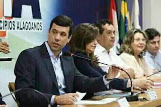 Prefeito Hugo Wanderley Caju e único político do estado que mais trabalha no estado de Alagoas.