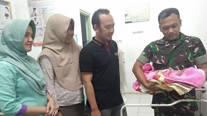 Warga Desa Padangjaya Digegerkan Penemuan Bayi di Belakang Mushola