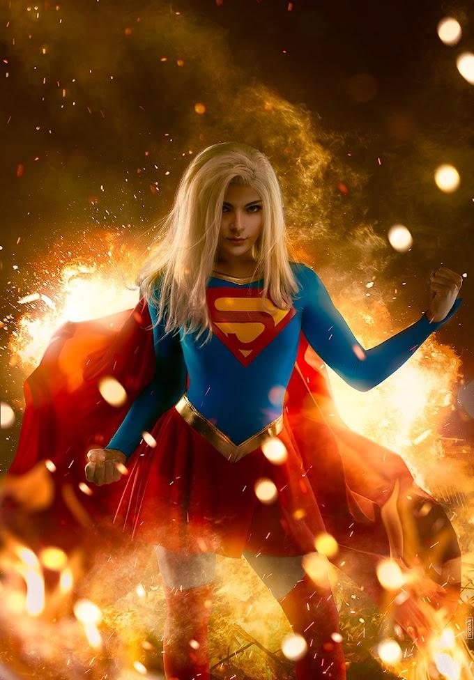 MarikGreek con su cosplay de Supergirl