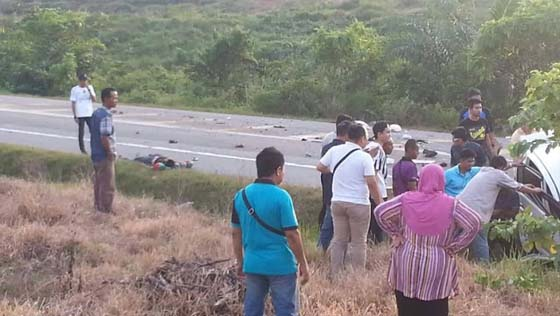Satu Keluarga Maut Bertembung Dengan Lori Balak di Gua Musang