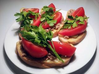 Бутерброд с тунцом - здоровая и быстрая еда!