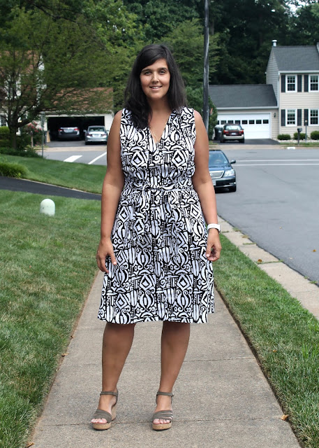 Graphic black and white print stretch poplin sleeveless dress made with the Simplicity 1059 Jiffy sewing pattern.
