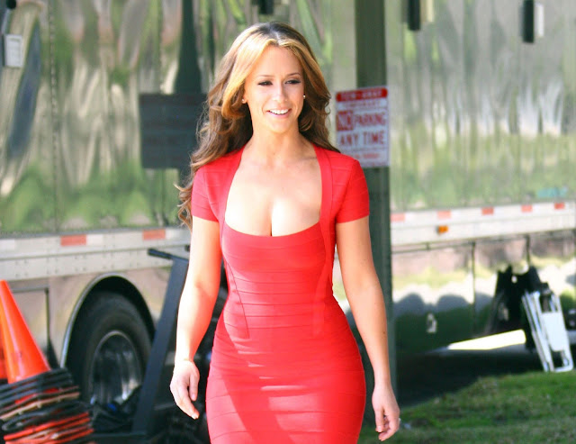 Bold Jennifer Love Hewitt Red Dress