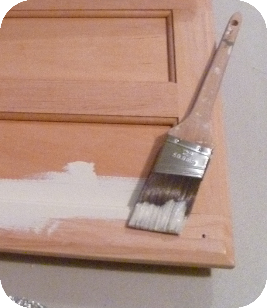My Suite Bliss: DIY: Painting Cabinets