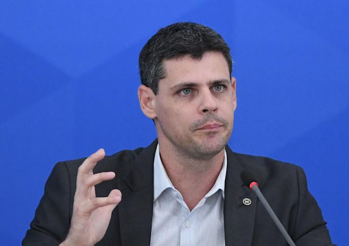 Paulo Guedes anuncia novo secretário do Tesouro; confira