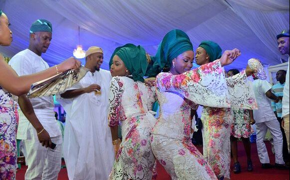 {Gist} 5 Types Of People You Meet At Nigerian Party