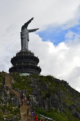 Patung Tuhan Yesus
